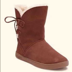 KOOLABURRA BY UGG Shazi Genuine Shearling Boot